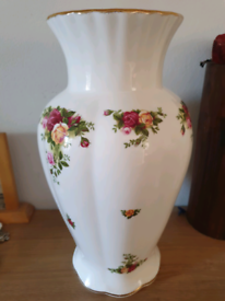Large Royal Albert Old Country Roses Vase