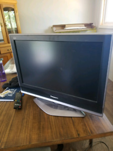 Panasonic TV 28inch