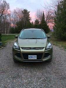 2013 Ford Escape Sel 4x4 2.0 L, EcoBoost w Nav, leather