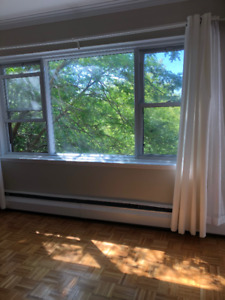 4 1/2 Outremont, heating, hot water, kitchen appliances included