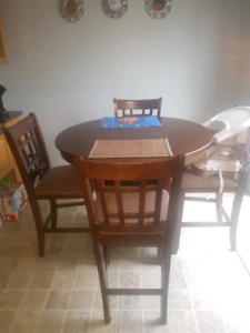 Pub Style dining room set with leaf insert $200 obo.