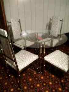 Kitchen table and chair's
