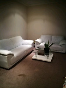 2pc white lounge suite