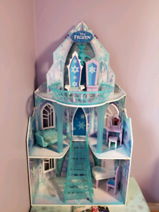 Elsa Frozen Castle
