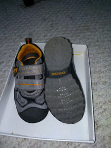 GEOX Boys Leather Shoes size 9(US)