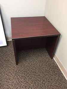 Waiting room table available (like new)