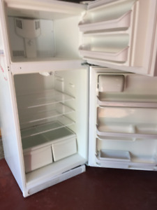 Frigidaire refrigerator in excellent working condition