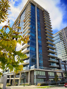 SPACIOUS 2 BED, 2 BATH WITH DEN IN THE HEART OF LIBERTY VILLAGE