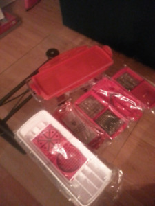 Dicer/grater set w/ container
