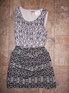 NEW WITH TAG dress (size small)