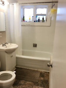 Sublet: Great location - Churchill square apartment