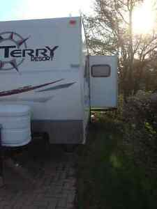 Roulotte Fleetwood 260RLS Terry Resort 29 pieds avec extension