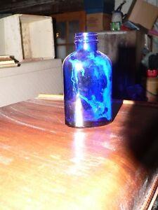 plusieurs bouteille antique a vendre: