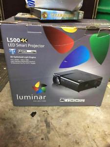 L500 LED Smart projector