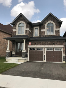 Aurora Home for Rent - 4 Bedroom facing Stronach Rec Complex