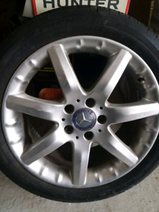 One Mercedes rim with tire 225/45 R17