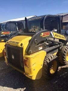 2012 New Holland L218 Skid Steer London Ontario image 4