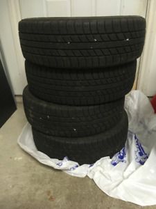 UNIROYAL TIGER PAW TOURING TIRE 175/ 65R14 82T SET OF 4