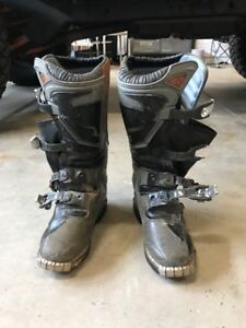 THOR Youth Motocross boots Size 6