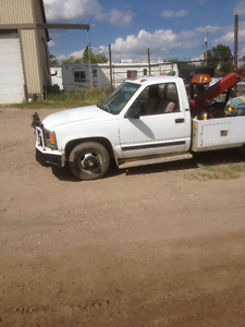 tow truck and auto parts