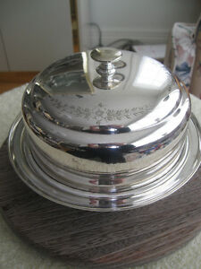 GORGEOUS VINTAGE BRILLIANT SILVER PLATED 3-Pc.COVERED  SERVER