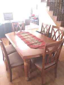 Table salle a manger avec 6 chaise/ Dining tableset with 6 chair West Island Greater Montréal image 1