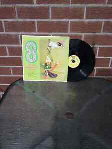 """33 1/3 LP """"Happy time """" great childrens stories"""