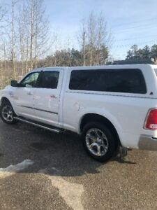2014 RAM 1500 CREW LOADED TV'S, MOONROOF, AIR RIDE!!!