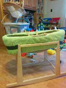 Bassinet and rocking stand