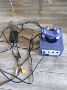 Gamecube all hookups, 1 memory card and 1 controller