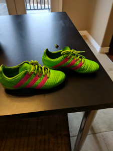 Adidas Soccer Cleats - Excellent Condition