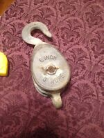 Vintage double wheel pulley