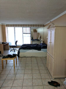 Furnished Studio in Downtown Montreal - Close to Metro - Aug 1