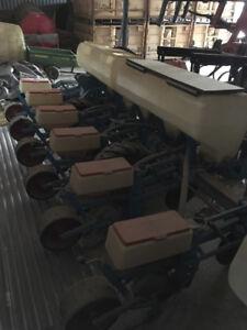 Monosem PNU 6 row Shoe Planter