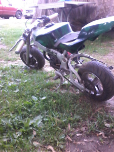 I I'm selling my 2010 pocket  bike with lots of parts