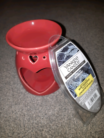 Red ceramic oil burner & Yankee Candle wax melts