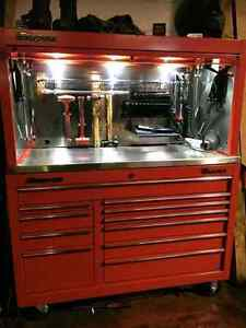 SNAP ON TOOLS AND MINT SNAP ON TOOL BOX LOADED