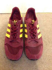 Size 8 Adidas zx500