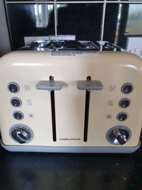 Toaster (Morphy Richards)
