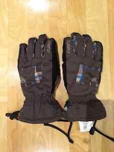 Tuque , gant , cache-oreille Québec City Québec image 6
