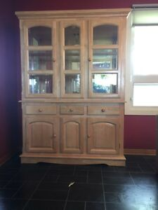 kijiji saskatoon kitchen cabinets buy or sell hutchs amp display cabinets in saskatoon 18080