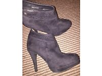 Ladies size 6 suede boots