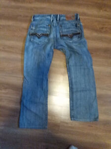 6 different jeans mens boys size 30 price of 20$ for all 6 items