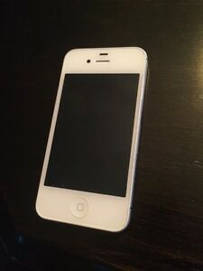 White iPhone 4S 8GB