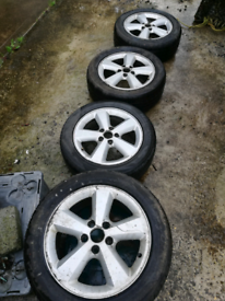 """Ford focus 16"""" alloy wheels great tyres all round"""
