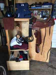"Tack box lot ""Youth Western Saddle"""
