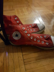 Red Mens size 10 Converse