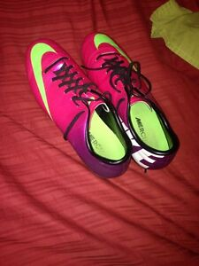 Size 10 Nike Mercurial Men's Soccer Cleats with shin guards