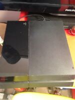 Ps4 with 4 games and 1 controller