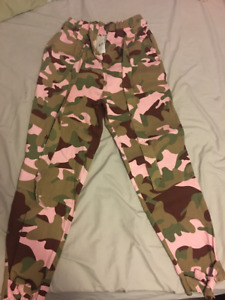 Maroon and Pink Camo Pants/Joggers - Size Small